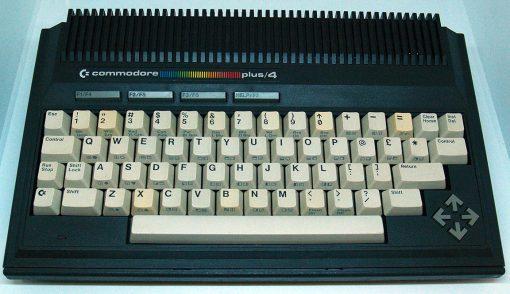 Computador UsadoCommodore Plus/4 - Bundle