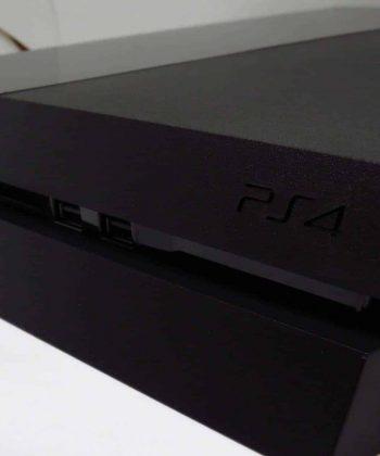 Consola Usada Sony Playstation 4 500GBs Preta